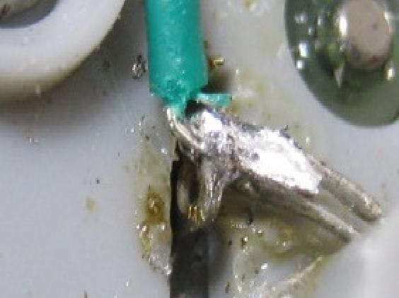 デアゴスティーニ零戦エンジンの修理(モーターブラシ端子半田浮き)治療1