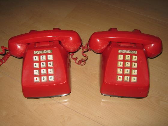 プッシュ式電話機の修理(カーボンマイク換装)外観