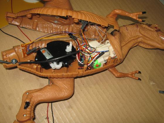 メガザウルスの修理(赤外線デコーダ換装)診察1
