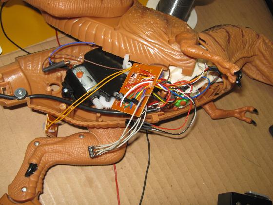 メガザウルスの修理(赤外線デコーダ換装)治療15