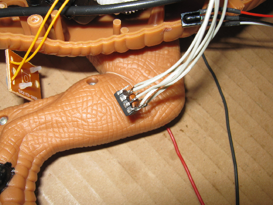メガザウルスの修理(赤外線デコーダ換装)治療16