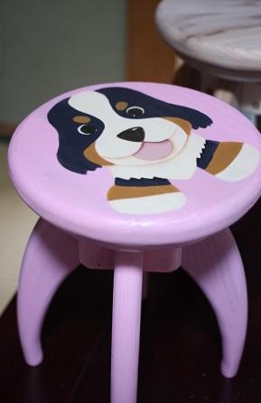 ピンク椅子