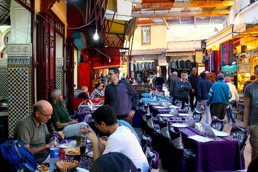 紫のカフェ