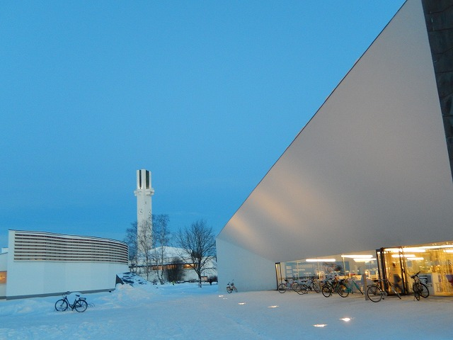 2つの図書館+ラケウデンリスティ教会