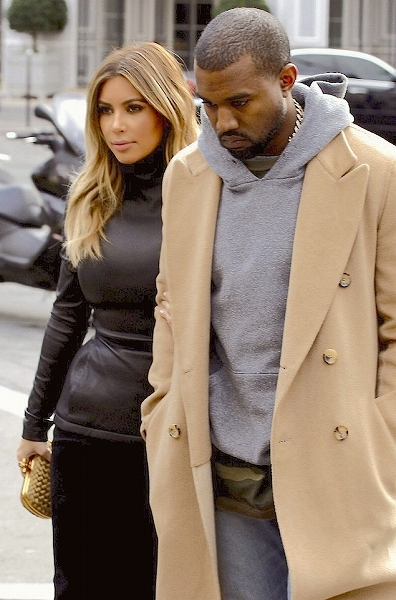 Kanye-West-wears-Alternative-Apparel-Hoodlum-Eco-Fleece-Heather-Grey-Pullover-Hoodie.jpg