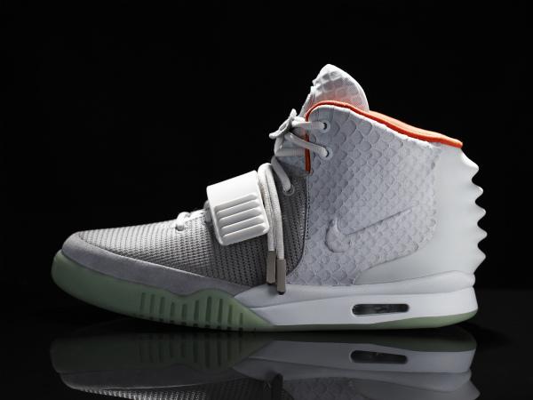 Nike_Air_Yeezy_II_Profile_original.jpg