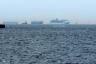 東京湾を行くCOSTA VICTORIA3