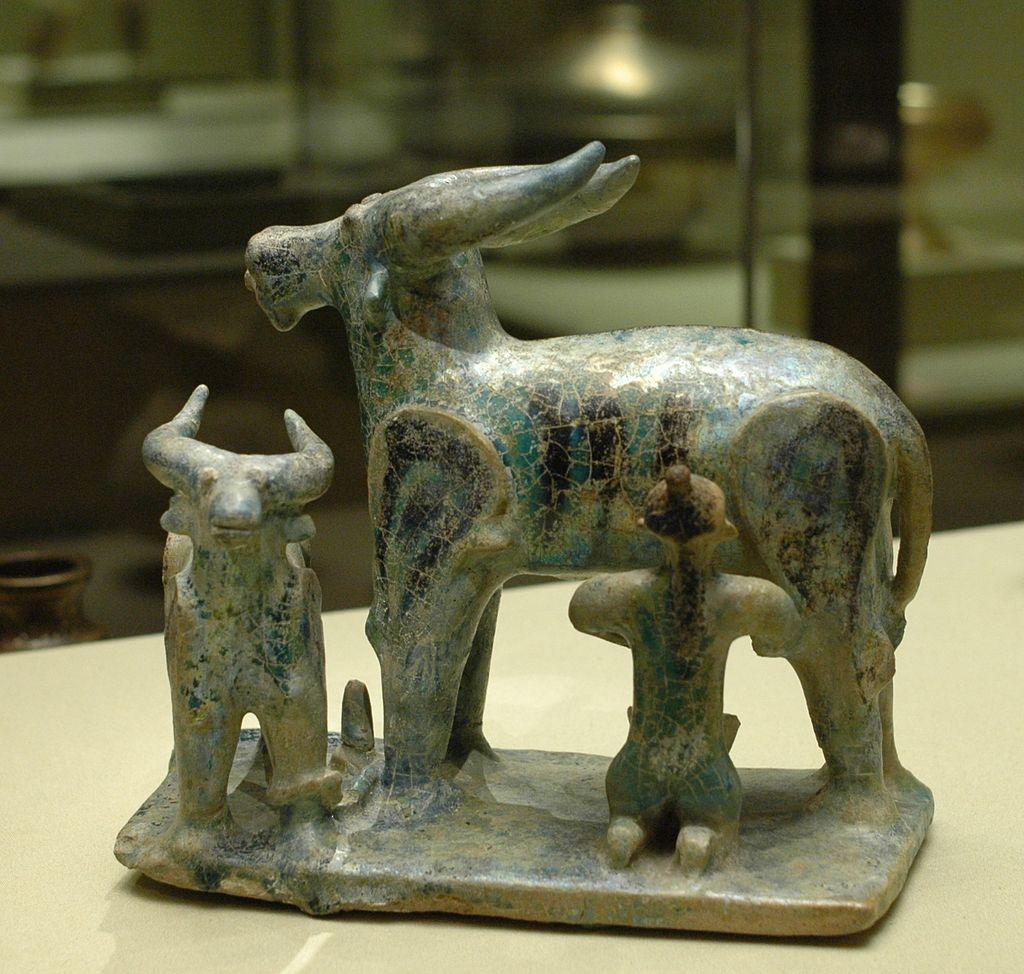 Buffalo_milking_Louvre_MAO2031.jpg