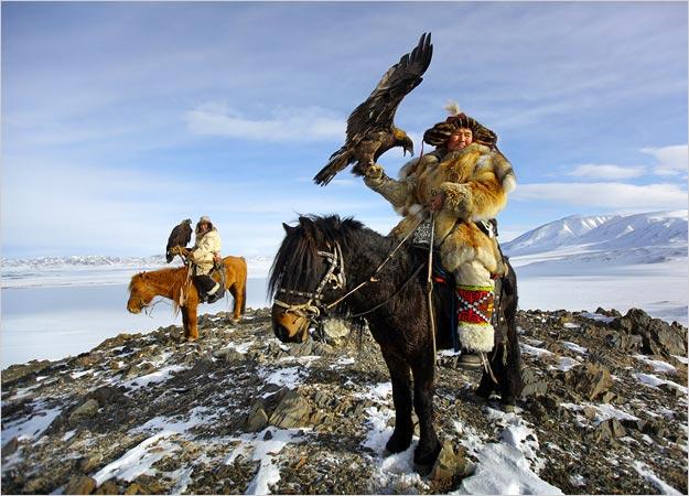 mongolian_eagle_hunters.jpg