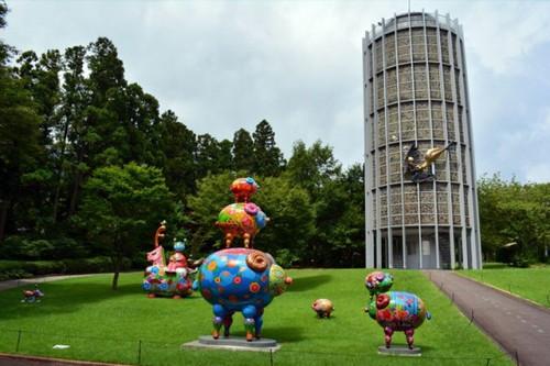 10位 箱根彫刻の森美術館