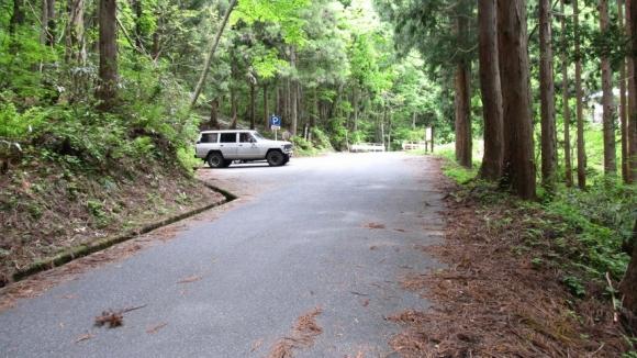 登山口付近の駐車場