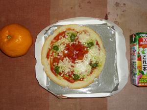 ピッツァマルゲリータ,野菜ジュース,みかん