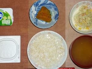 玄米粥,納豆,コールスロー,カボチャの煮物,おみそ汁,ヨーグルト