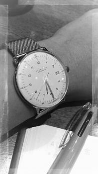 ユンハンス ドイツ 時計 自動巻き マックスビル
