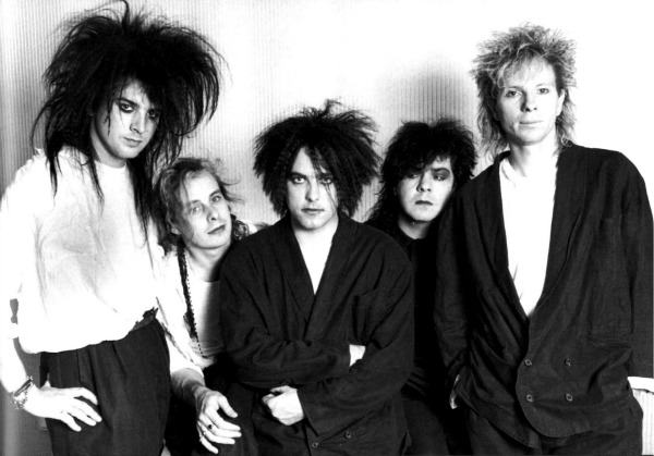 The-Cure-tutupash.jpg