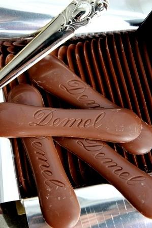 デメル 猫の舌チョコレート (2)