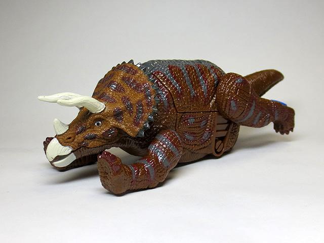 DINOSAUR_AGE_Triceratops_23.jpg
