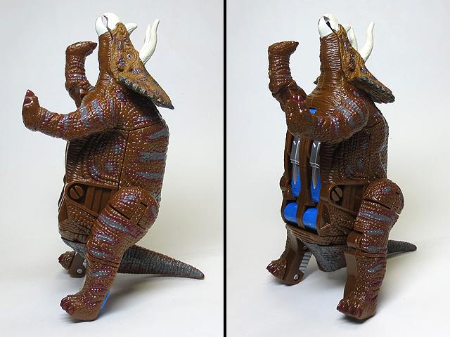 DINOSAUR_AGE_Triceratops_24.jpg