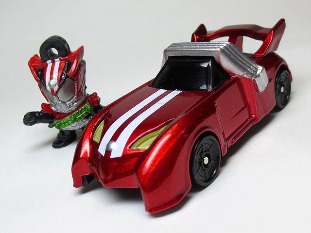 KAMEN_RIDER_DRIVE_die_casting_minicar_16.jpg