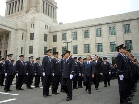 DAILY-KINGDOM 衛視に警棒と捕獲網配備=衆院がテロ対策強化