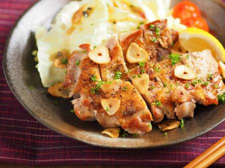 皮カリカリ チキンステーキ 、 チキンステーキの皮をカリカリに焼き上げるコツ!