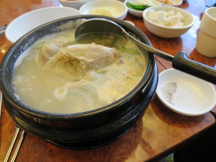 韓国 釜山 お昼 サムゲタン