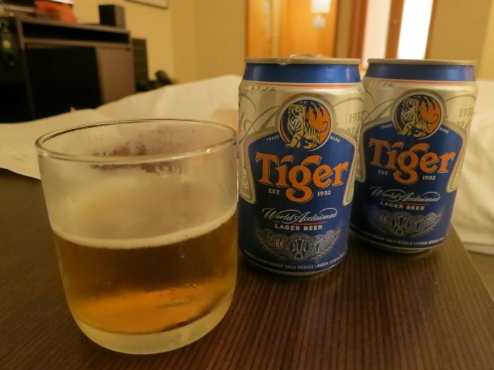 タイガービール 干肉 シンガポール 晩酌