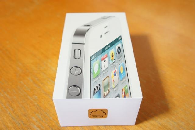 apple_iphone4s_unbox_01.jpg