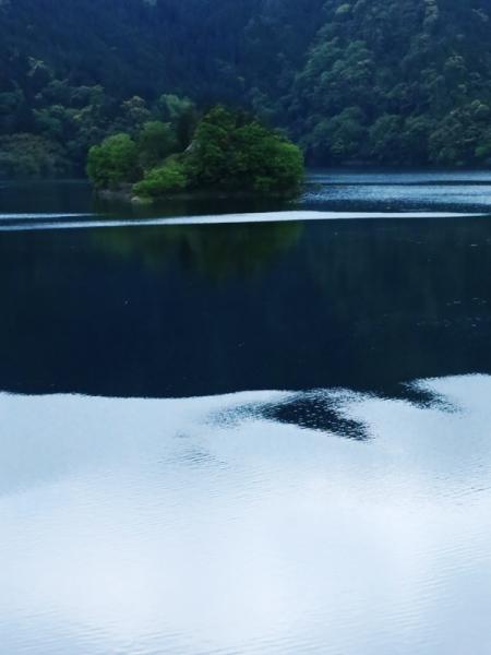 早明浦ダム湖の中島
