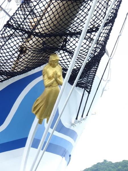 日本丸船首像