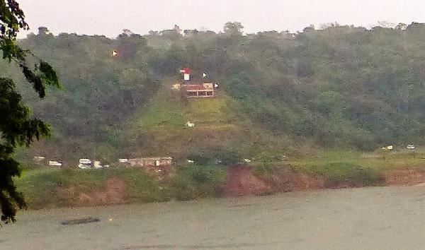 パラグアイa