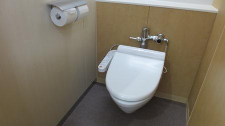 叡明トイレ