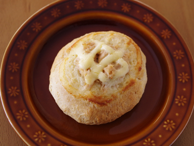 ホットケーキミックスで作る簡単シーチキンパンおかずパン03