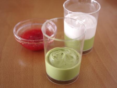 抹茶のチーズクリームはちみつイチゴソース添え03
