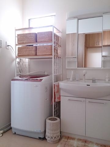洗濯機ラックを置いています。 1296