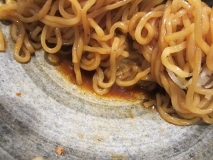 キンシャイ亭麺やタブキン亀貝 油ソバ タレ