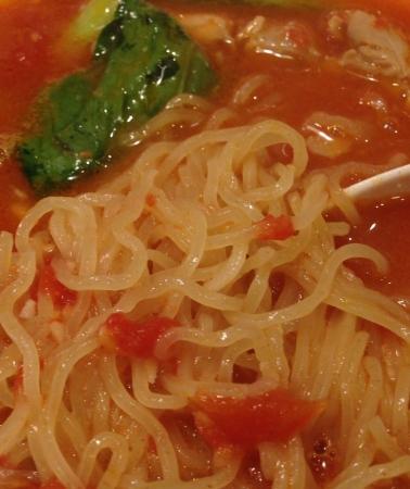 トマト麺ピックアップ