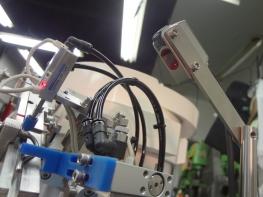 信和技研 / 抵抗器用パーツフィーダー