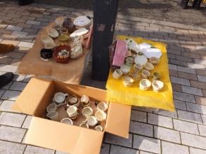伊東市めちゃくちゃ市で見つけました♪多肉にぽったりお似合いの手作り陶器鉢\(^o^)/見つけました♪2015.01.24