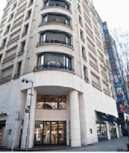 バーニーズニューヨーク新宿店