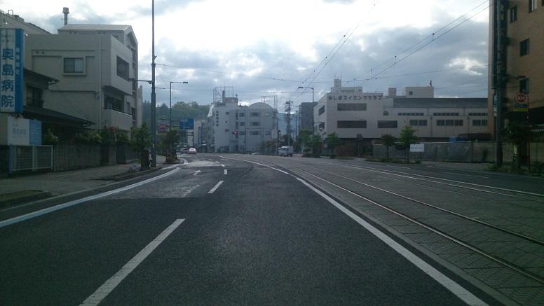 松山市内ガラガラ