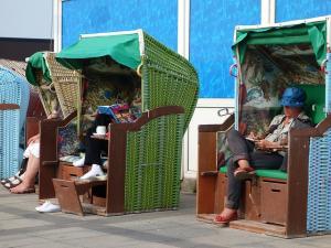 beach-chair-406385_640_convert_20150207001229.jpg